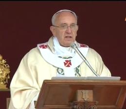 Papa Francisco en la Clausura del año de la fe, dando las gracias a Benedicto XVI